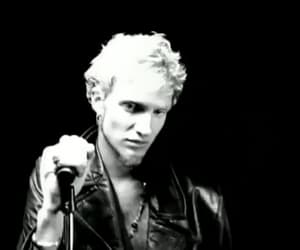 alice in chains, layne staley, and gif image