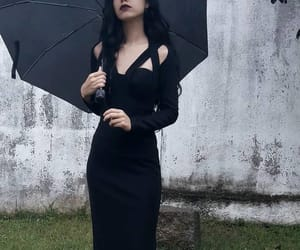 aesthetic, gothic, and pale girl image