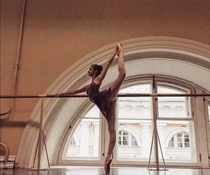 ballerina, pointe, and pretty image
