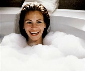 julia roberts, pretty woman, and bath image