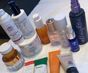 essentials, luxury, and kardashian image