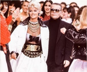 90's, belleza, and chanel image