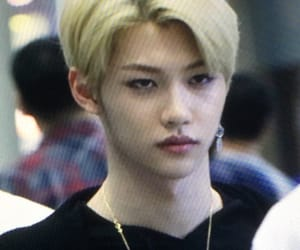 airport, blonde, and idol image