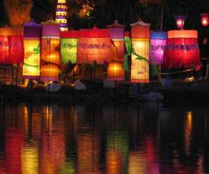light, chinese lanterns, and colors image
