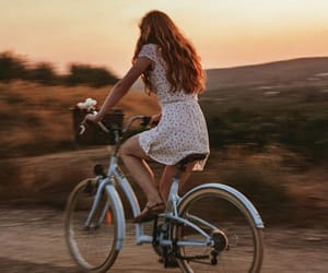 bicicleta, girl, and mtb image