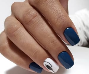 blue nails and nailsart image