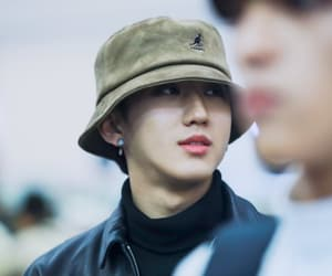 airport, brown hair, and skz image