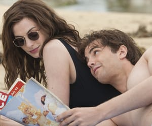 jim sturgess, Anne Hathaway, and one day image