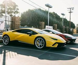 carros, luxury, and yellow image