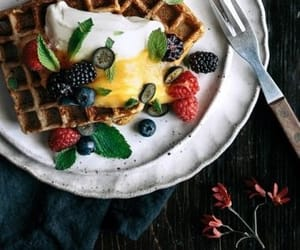 delicious, food, and waffle image