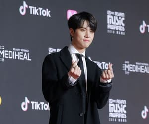 k-pop, jbj, and kim dong han image