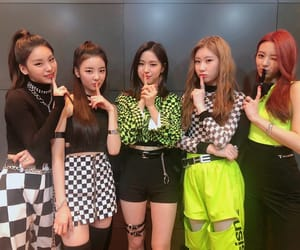 idol, itzy, and kpop image