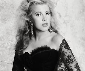 stevie nicks and unrecognizable image