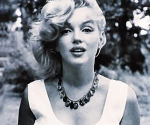 black&white and Marilyn Monroe image