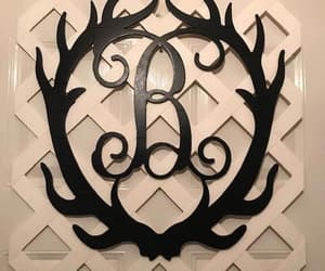 antlers, cabin decor, and farmhousesign image