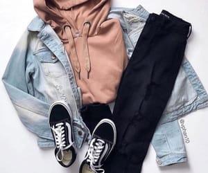 vans, roupas, and calça image