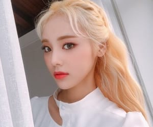 jinsoul, loona, and psd image