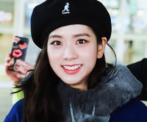 blackpink and kim jisoo image