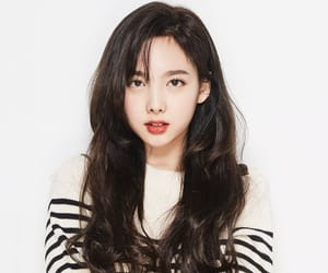 aesthetic, korean, and nayeon image