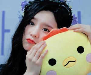 heejin, kim lip, and loona image