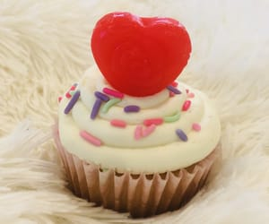 cupcakes, red, and valentine image
