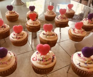 cupcakes, valentine, and food image