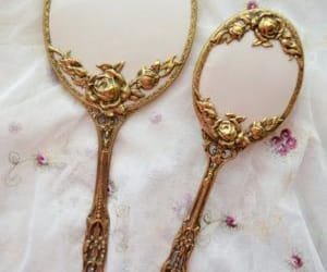 hand mirror and mirror image