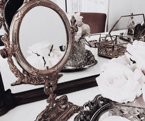 decor, details, and mirror image