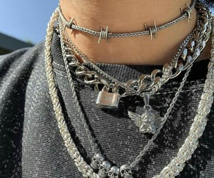necklace, alternative, and chains image