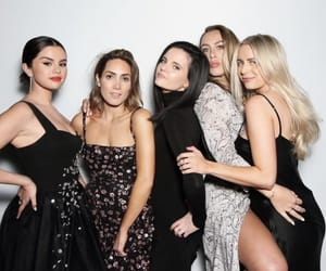 selena gomez and friends image