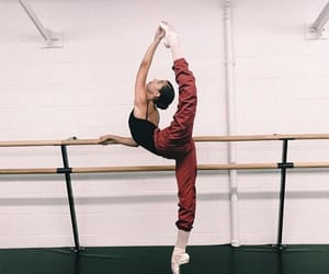 arabesque, en pointe, and fitness image