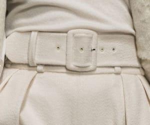 fashion, whiteclothes, and whiteoutfit image