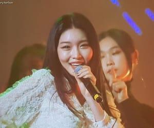 kpop, kim chungha, and korean image