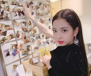 kim jisoo image