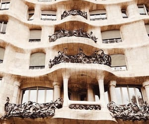 architecture, discover, and barcellona image