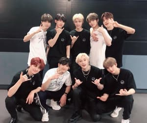 stray kids, Chan, and felix image