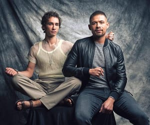 robert sheehan, klaus hargreeves, and diego hargreeves image