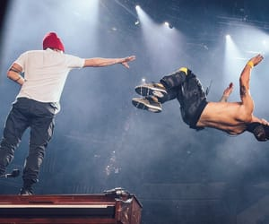 band, top, and twenty one pilots image