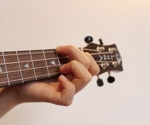 ukulele image