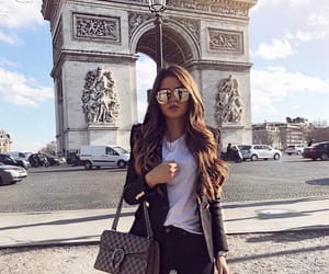 outfit, travel, and parís image