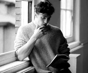 actor, aaron taylor johnson, and gif image