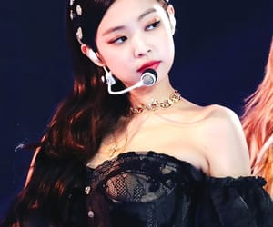 kpop, bias, and kim jennie image