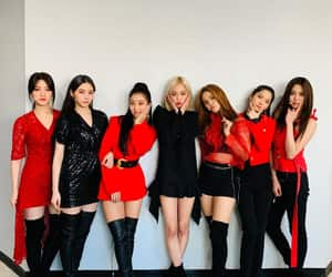 crystal clear, cube entertainment, and cube image