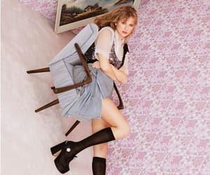 elle magazine, elle uk, and Taylor Swift image