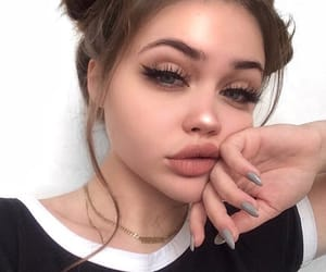 aesthetic, highlighter, and makeup image