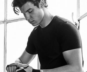 shawn mendes and Hot image