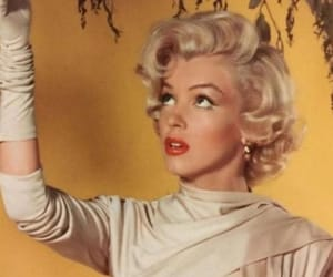 50s, fashion, and Marilyn Monroe image