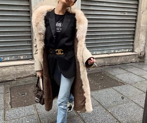 blogger, chanel, and chanel belt image