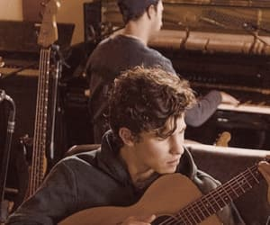 shawn mendes and guitar image