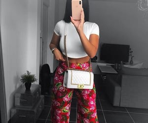 girl-wife-women, tenue-ootd-flowers, and chanel-body image